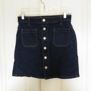 Womens Gap Exposed Button Jean Mini Skirt size 2